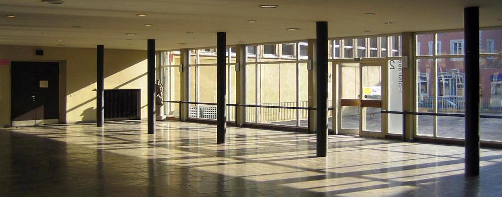 Mozartschule innen - Eingang